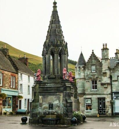 Visitar Fakland y su palacio Escocia Escenario Outlander