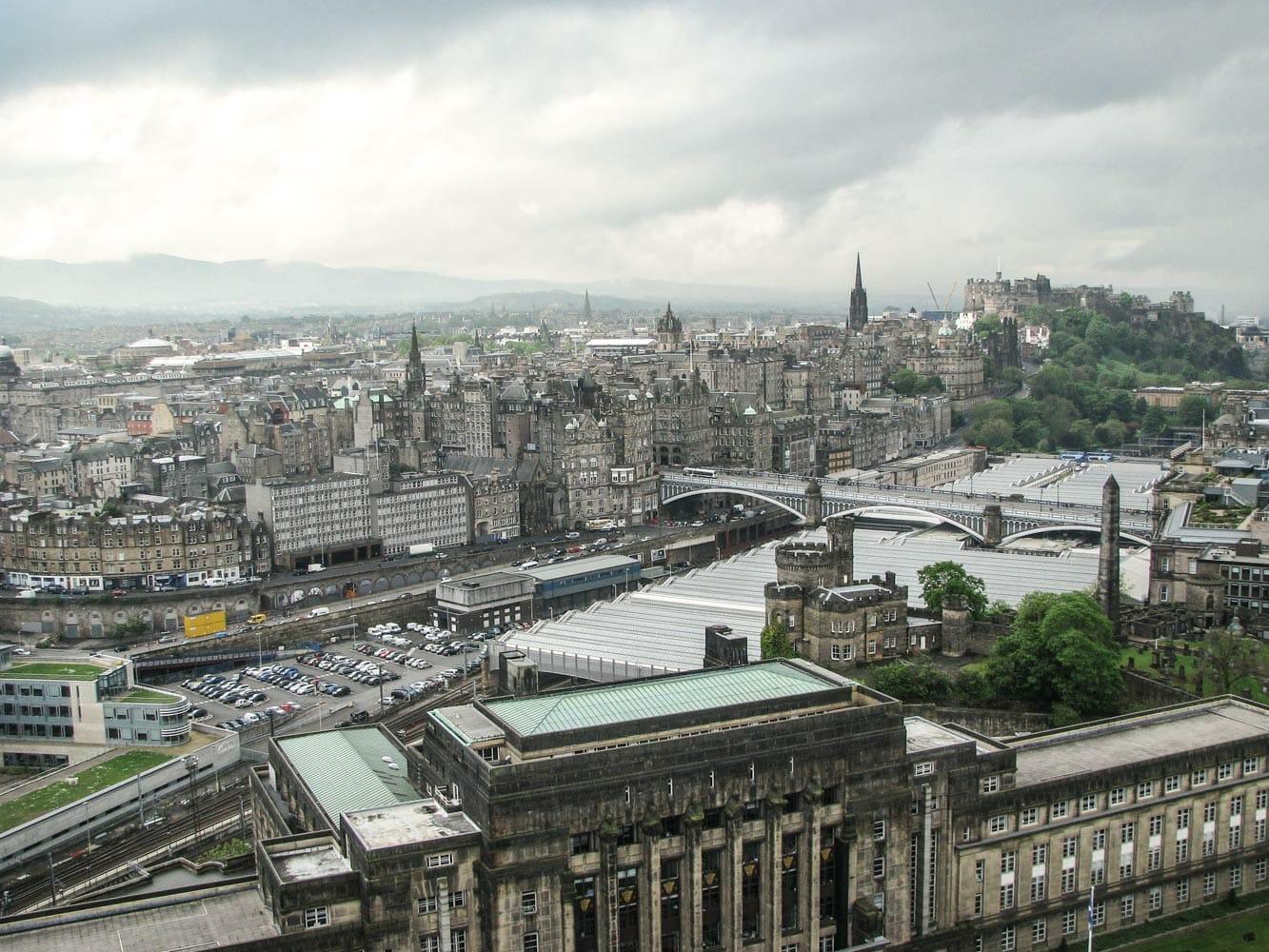 Ruta por los escenarios de Outlander en Edimburgo Old Town