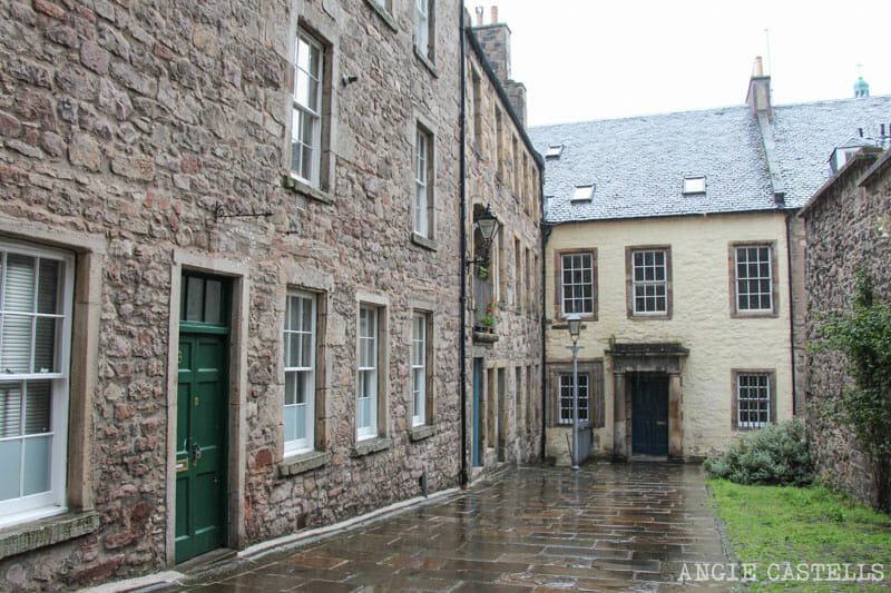 Escenarios de Outlander Edimburgo Tweedale Court Royal Mile