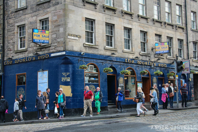 Ruta escenarios Outlander Edimburgo The Worlds End