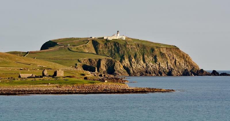 El faro de Sumburgh Head, en las islas Shetland. Ronnie Robertson (CC)