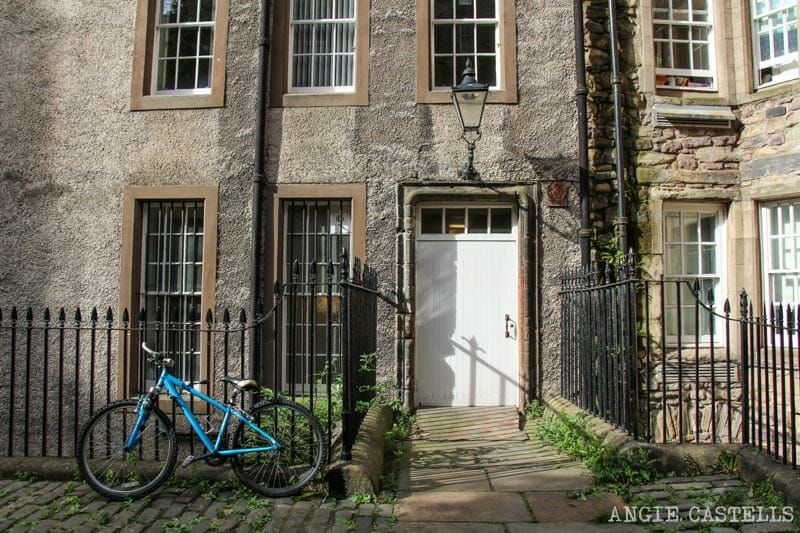 Mejores callejones Royal Mile Edimburgo James Court